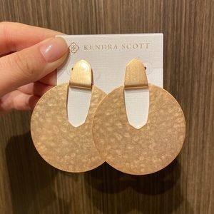 NWT Kendra Scott Diane Earrings In Rose Gold